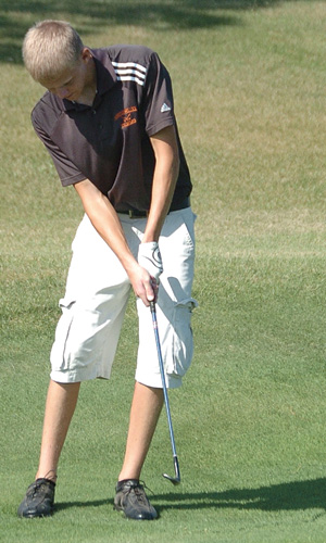 Tyler Villbrandt shot an 80 to take sixth place and lead the Tigers to second at the pre-region meet in Pierre on Monday.